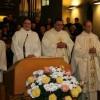 Ministrant Roshan Prabhakaran, Pastoralassistentin Ines Bolthausen, Pfarrer Jacek Jeruzalski, Generalvikar Dr. Josef Annen, Pfarrer Alfred Böni